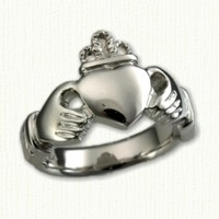Platinum Large Traditional Claddagh Ring