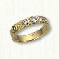 14kt Celtic Murphy Knot with bezel set diamonds