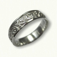 Sterling Silver Celtic Triangle Knot Band with Holly Leaves & Berries