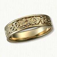 '14kt yellow gold Triangle Knot with Holly Leaves and Berries Wedding Band