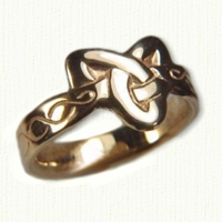 14kt yellow Triangle Ring with Simple Braid Pattern on the shank